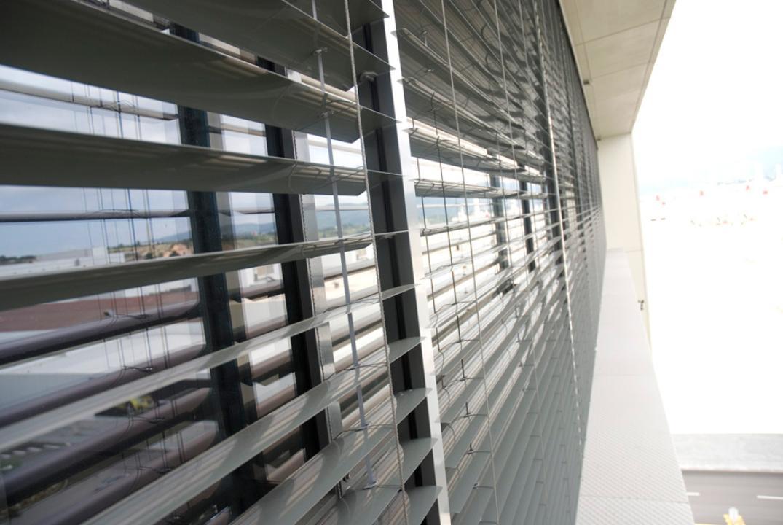 Veneciana de exterior gravent cortinas y toldos a medida - Persiana veneciana exterior ...
