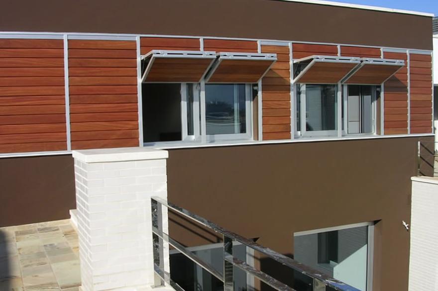 Celosía de madera con marco corrugable vertical familia