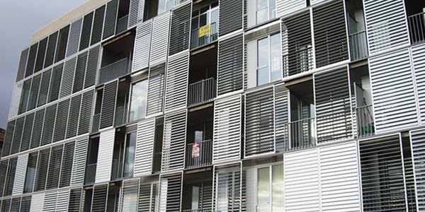 Celosías de aluminio con marcos correderos familia