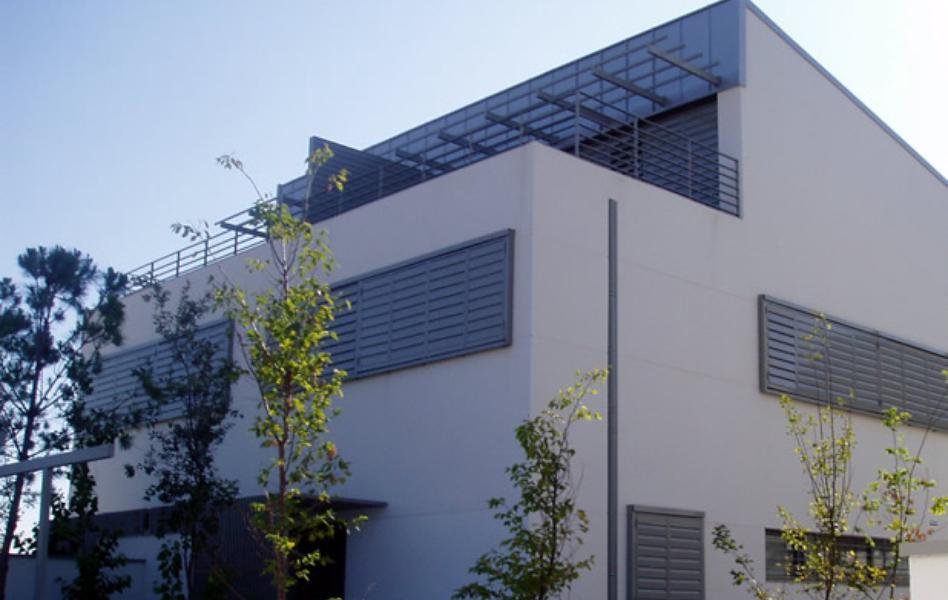 Celosías de aluminio con marco practicable