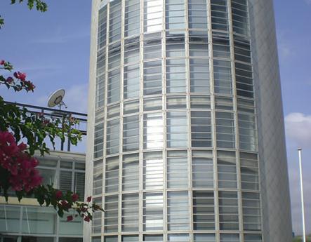 Edificio ventana hervent