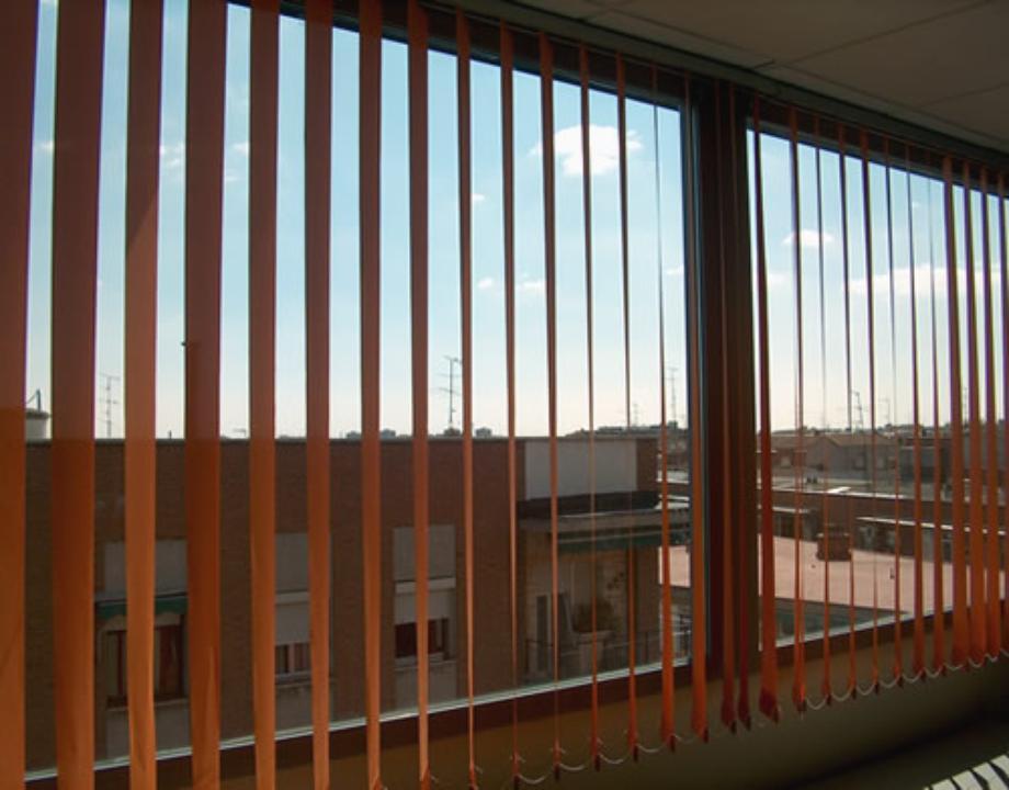 Centro educativo gravent cortinas y toldos a medida - Cortinas verticales madrid ...