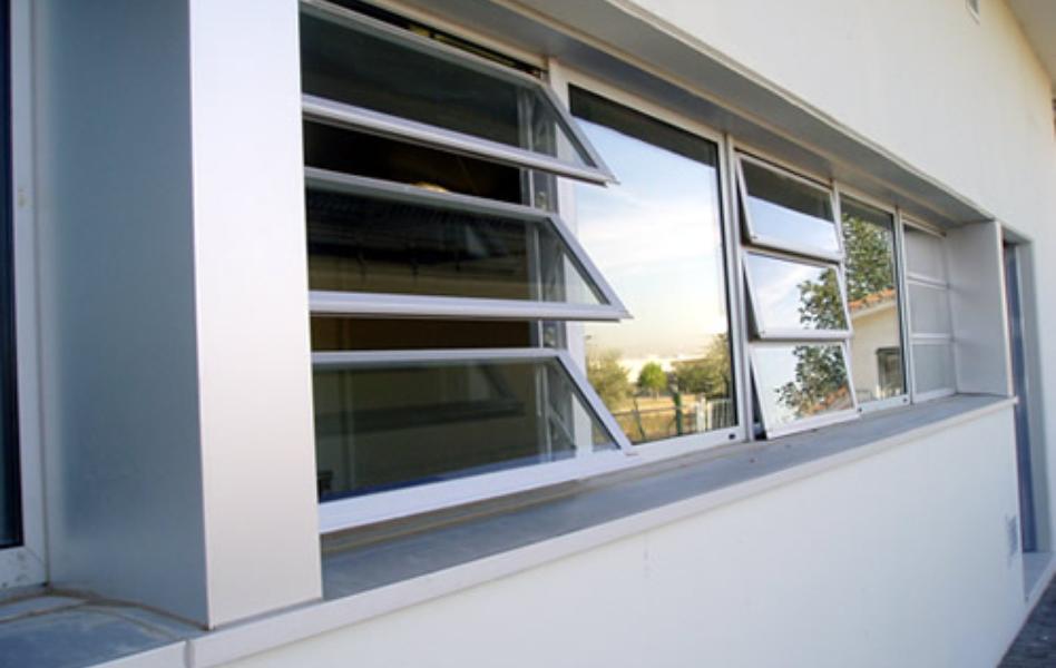 Proyecto guardería ventana hervent