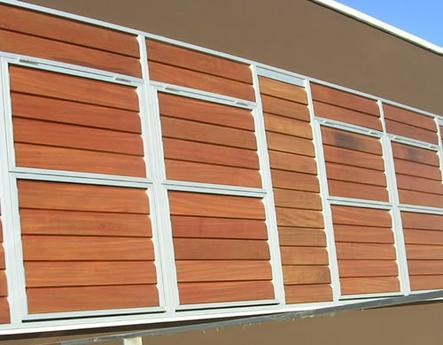 Loft Tenerife celosías de madera con marco corrugable